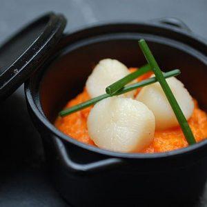 Pièce pour vos menus de mariage : Cocotte de St Jacques, purée de carottes
