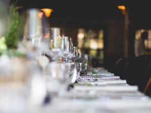 Soirée privée avec menu gastronomique élaboré avec des produits frais et de saison.