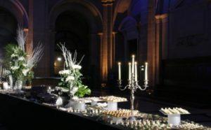 Cocktail de Gala d'école supérieure à Paris : Escapade traiteur le partenaire pour un gala réussi.