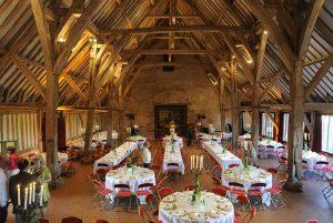 Salle de mariage avec nos buffets traiteur champêtres et terroir