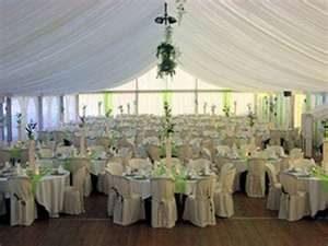 Traiteur pour vos réceptions de mariage, mise en place de la salle, et de votre décoration.