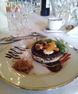 Millefeuille de foie gras, pain d'épice et chutney